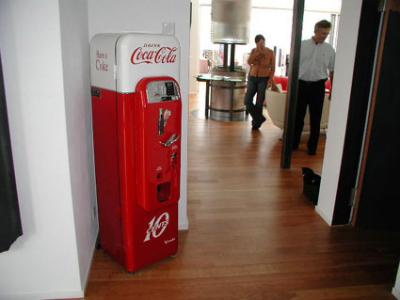 Route 66 Store Vendo 44 Vintage Coca Cola Machine Usa 1956